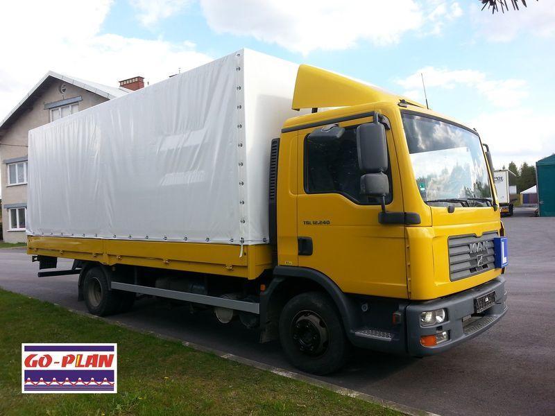 biała plandeka dla ciężarówki